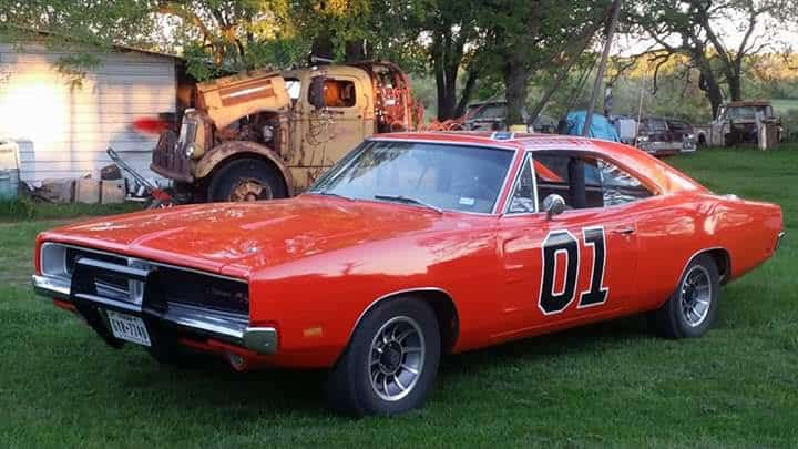 GENERAL LEE Comes To Visit Granbury And To Meet Janie Fricke The - Granbury car show